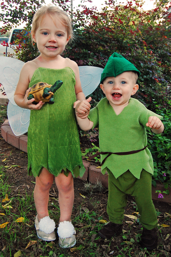 DIY tinkerbell and peter pan costumes - From The Nesting Spot